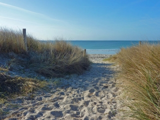 ile de re beach for swimming pool holiday gites in the Poitou Charentes, france
