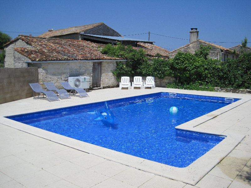 Les Hiboux Self Catering Gite Family Holiday Cottage Accommodation Pool France