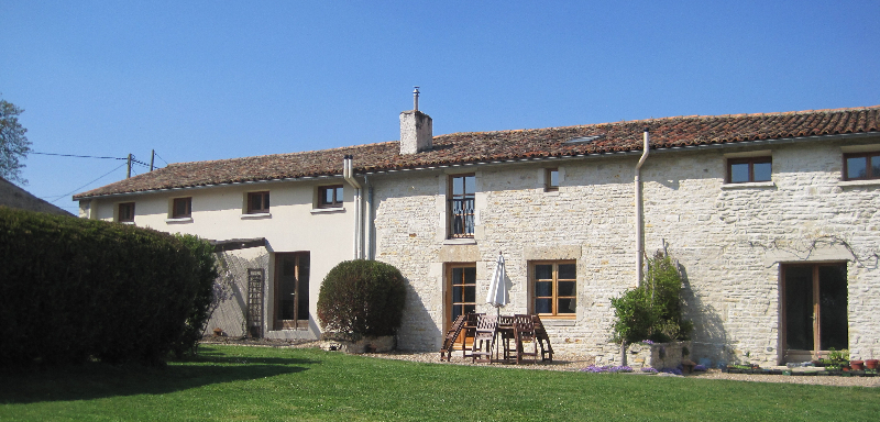 Les hiboux holiday cottage rental double bedroom 2 for A la vieille maison fradet